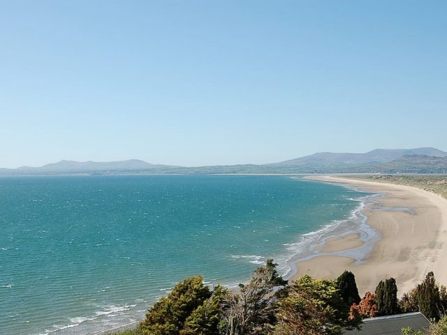 ffermdy holiday cottage in snowdonia beach